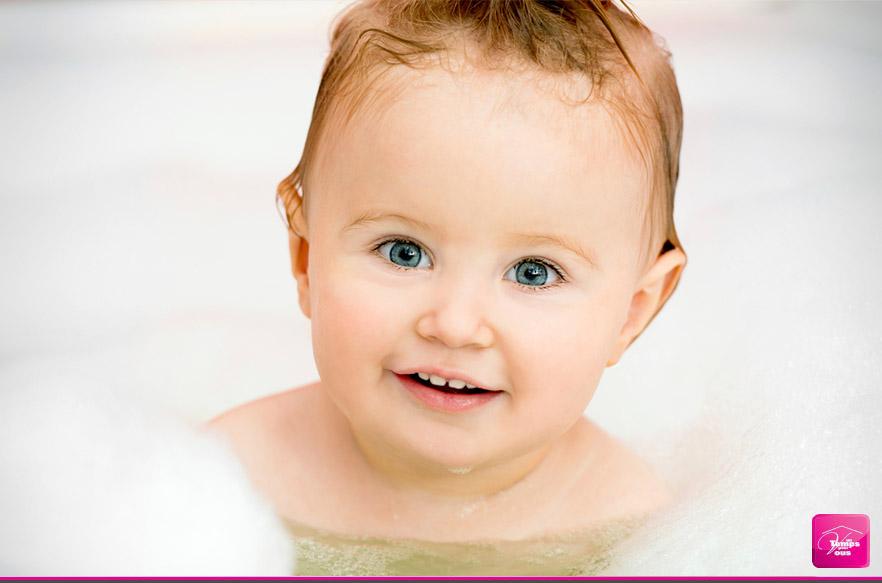 Enfant dans le bain